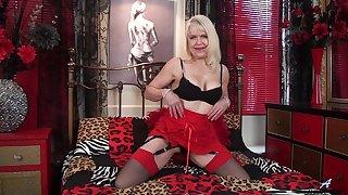 Mature blonde Margaret Holt moans dimension pleasuring the brush wet pussy