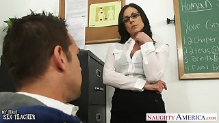 Low-spirited nerdy brunette crammer Kendra Lust is ready for wild riding on top