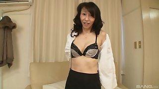 Closeup video of passionate fucking with Asian mature Mako