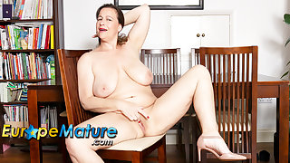 EuropeMaturE Busty British Matured Eve Jayne Desolate Masturbation