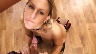 MILF Has Mad Deepthroating Skills