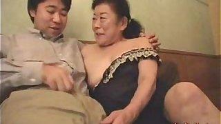 Japanese granny enjoying make-love