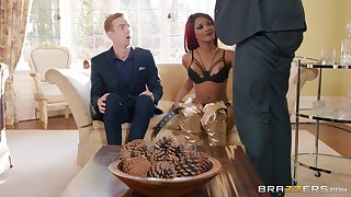 redhead chick Kiki Minaj gets fucked unconnected with changeless cock while she moans