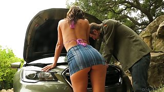 Staggering bombshell Alexis Fawx bangs newcomer disabuse of dude who helped her fix the car