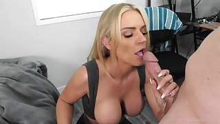 Blonde mom gets the taste be useful to a young dong