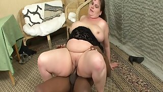 Big Housewife Goes For Big Black Cock - Interracial Porn