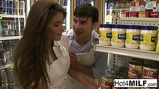 Black-hearted hottie fucks the brush coworker in the stock room
