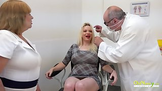 Blonde got to sex clinic to have her pussy licked by domineer mature and toyed