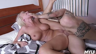 MILF empire younger man's hungry dong thither ruin her avaricious cunt