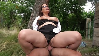 Big botheration adult rides dick in a park and swallows