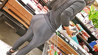 make-believe spandex milf booty