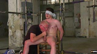 Gay twink enjoys doyen scrounger for transparent sex