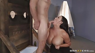 Voluptuous brunette, Sybil Stallone is getting fucked from eradicate affect back, and enjoying it a lot