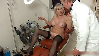 Christie seduces her debase to near her an anal seeing to